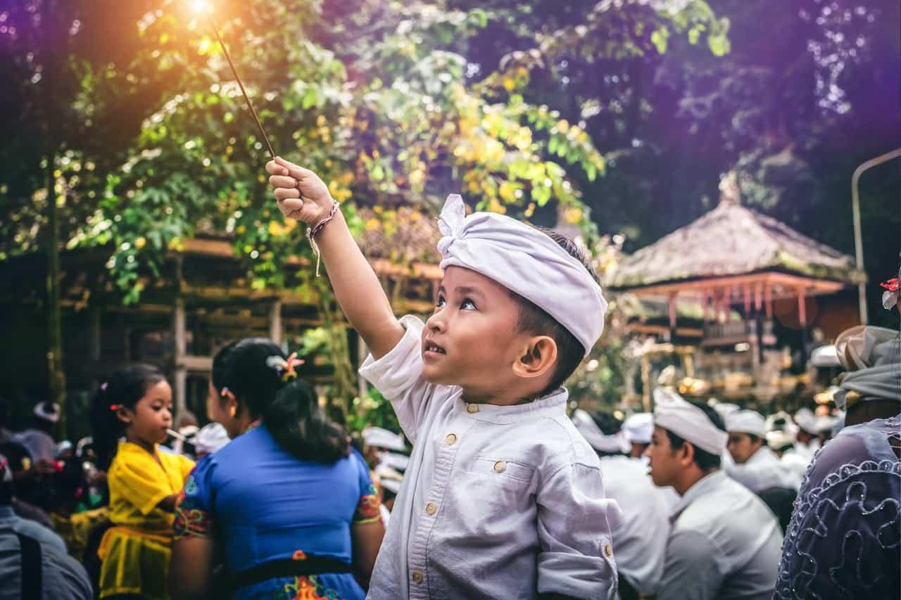 pengertian budaya lokal dan nasional