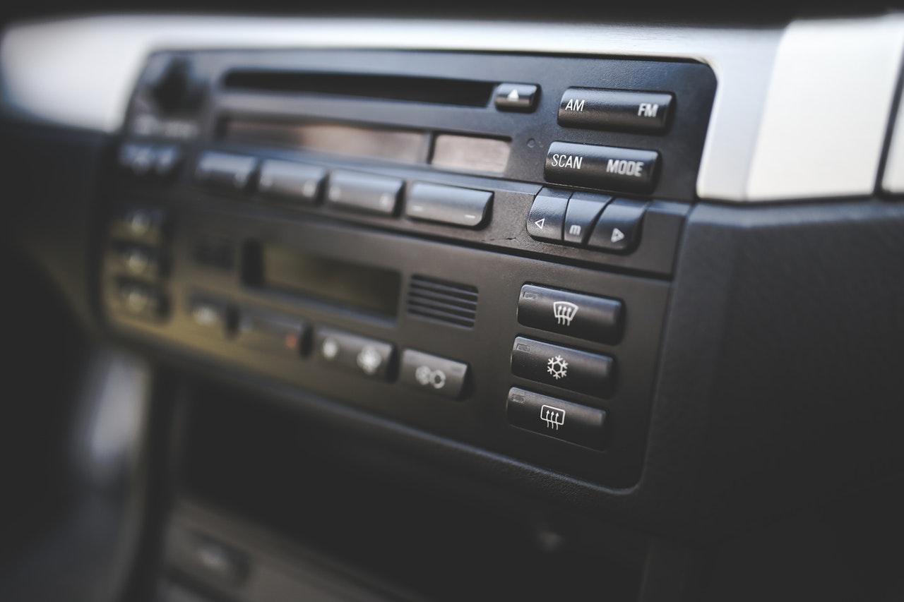 Control Panel AC Mobil