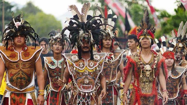 Contoh budaya lokal di indonesia