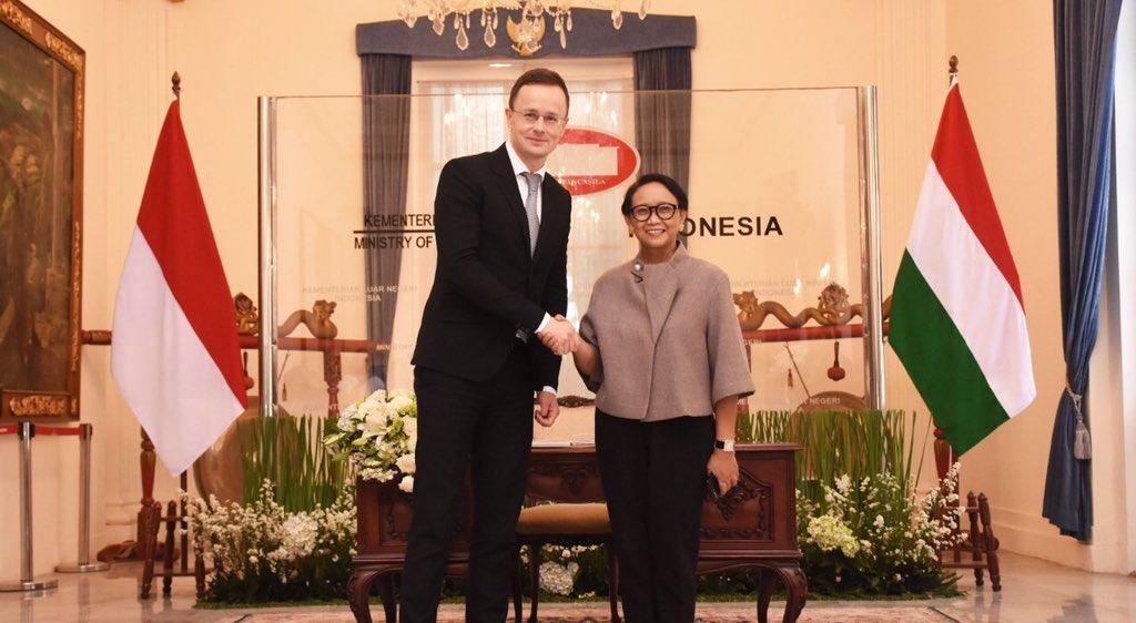 Menjaga persahabatan antar kedua negara
